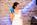 Ein Becher bringt Abkühlung für die Braut - Freie Trauung von Crazy Little Wedding